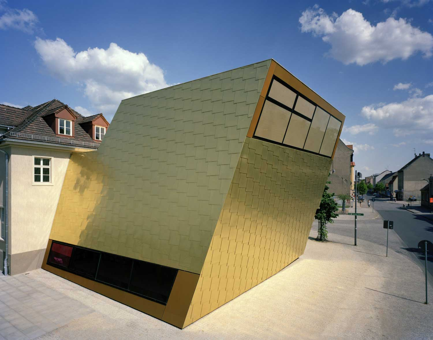 Library in Luckenwalde | Yellowtrace