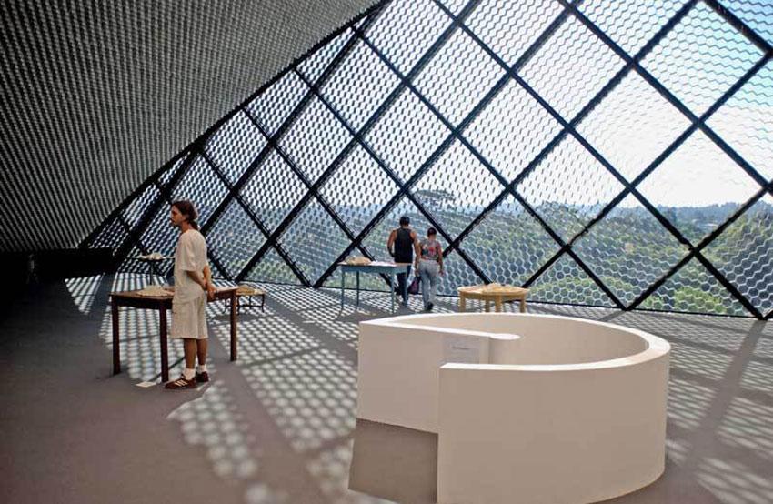 Museum-Curitiba-by-Oscar-Niemeyer-Yellowtrace-04