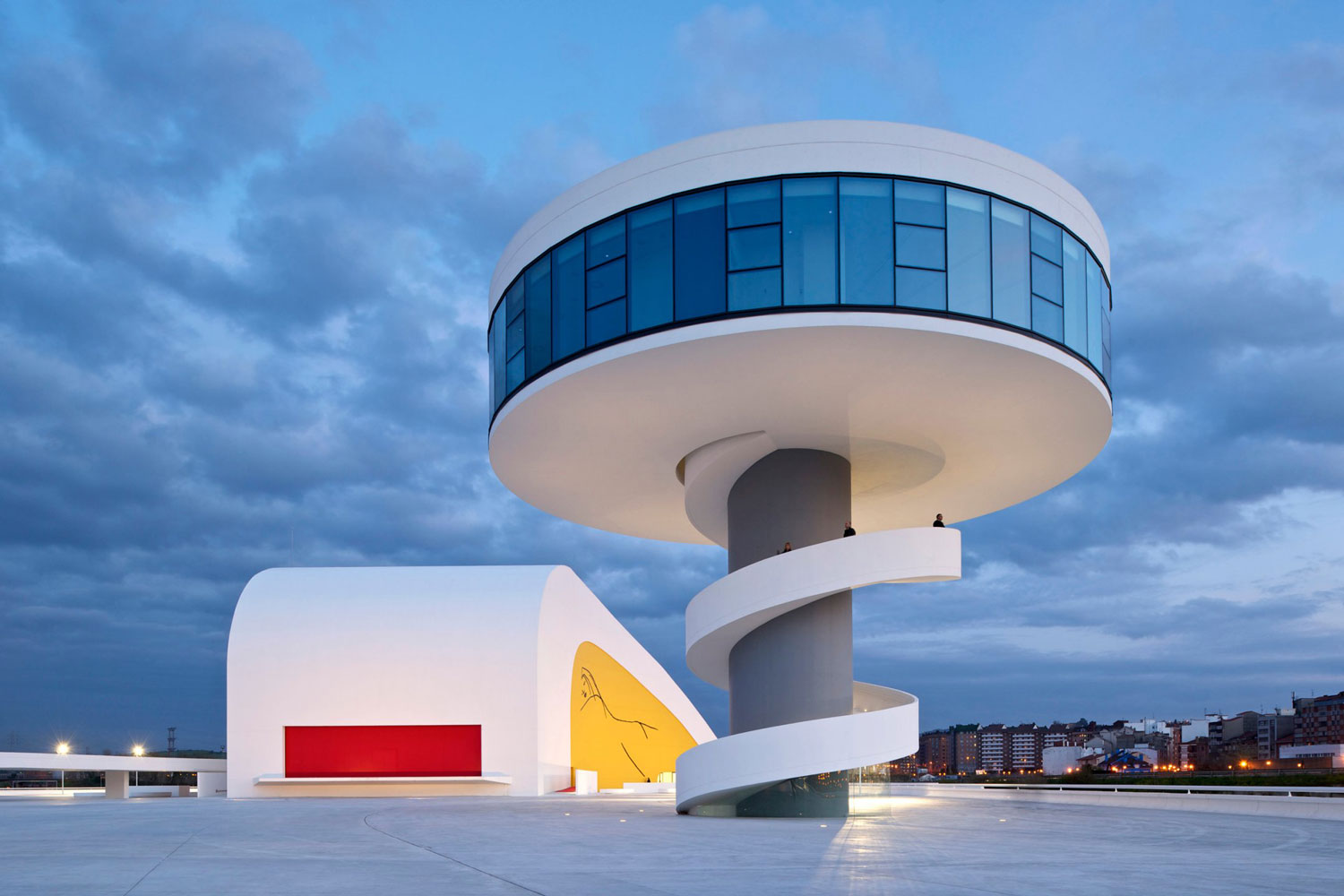 Cultural Centro Niemeyer by Oscar Niemeyer | Yellowtrace
