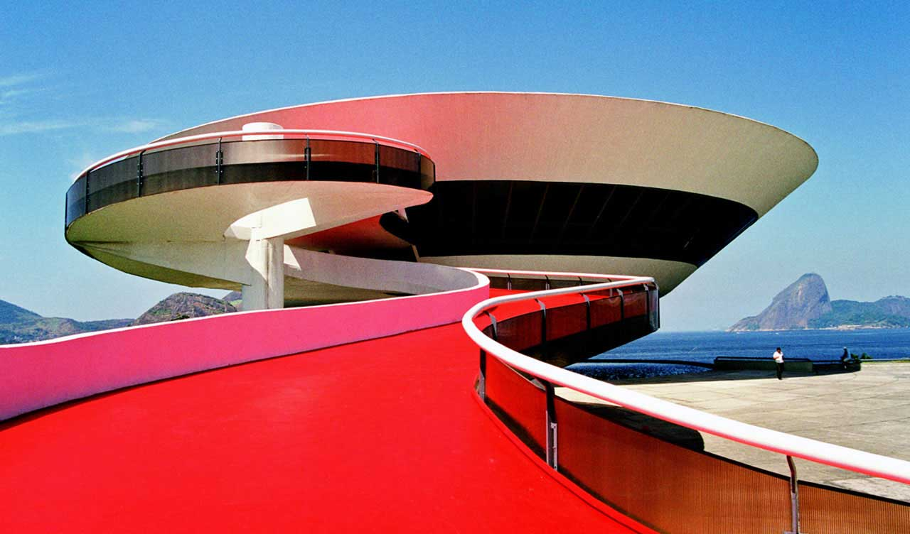 Niteroi Museum of Contemporary Art by Oscar Niemeyer | Yellowtrace