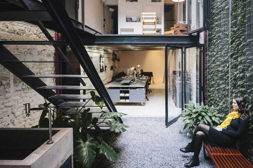 Produtora Kana by AR Arquitetos | Yellowtrace