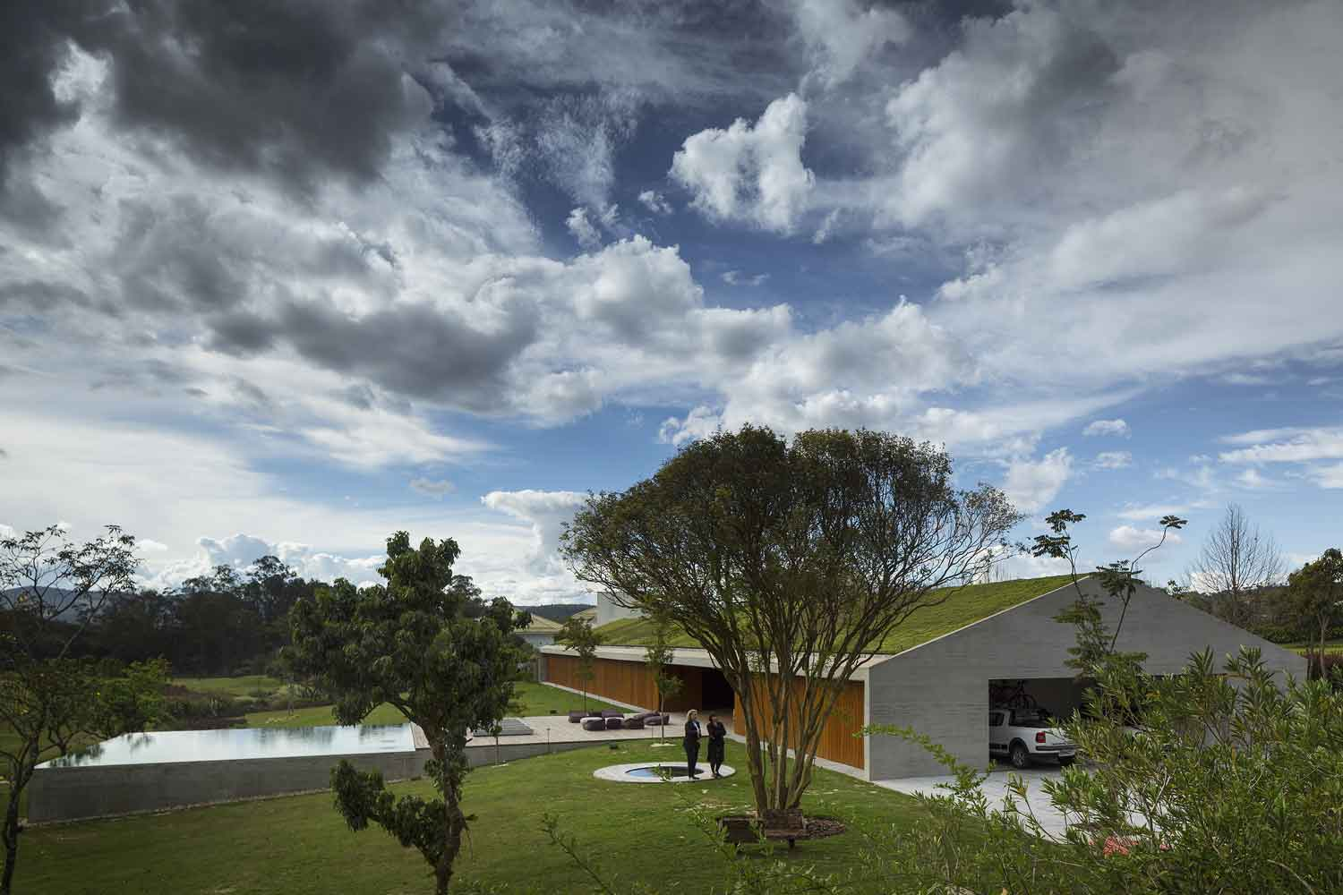 The MM House by Studio MK27 | Yellowtrace