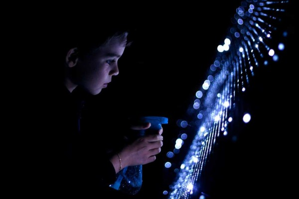 Water Light Graffiti by Antonin Fourneau | Yellowtrace