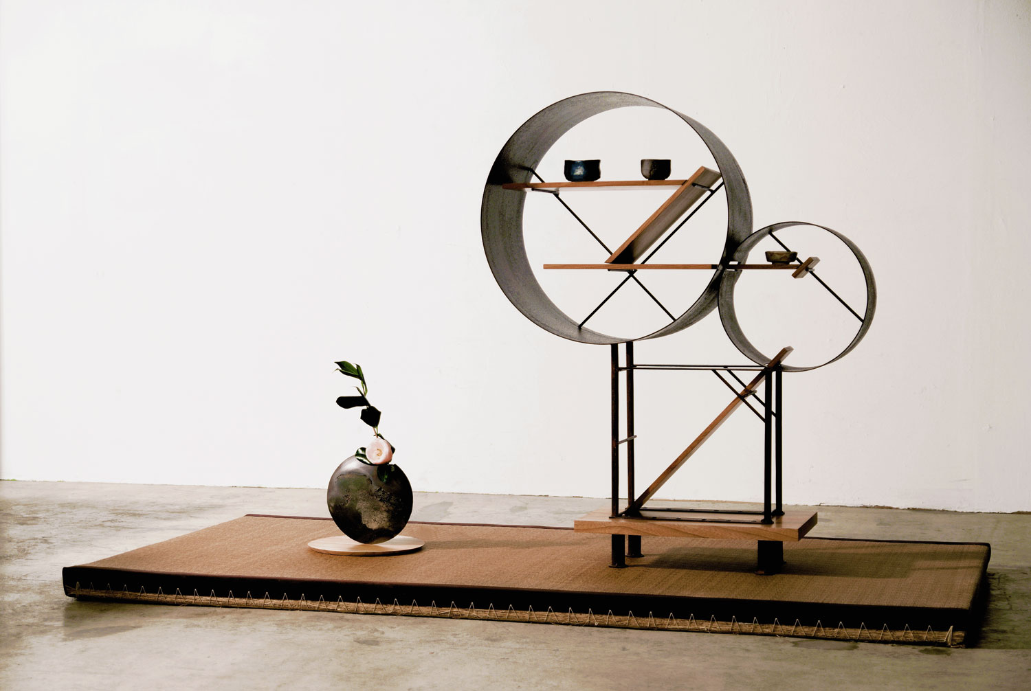 Shelf & Vase by Hamajima Takuya for 19 Greek Street | Yellowtrace