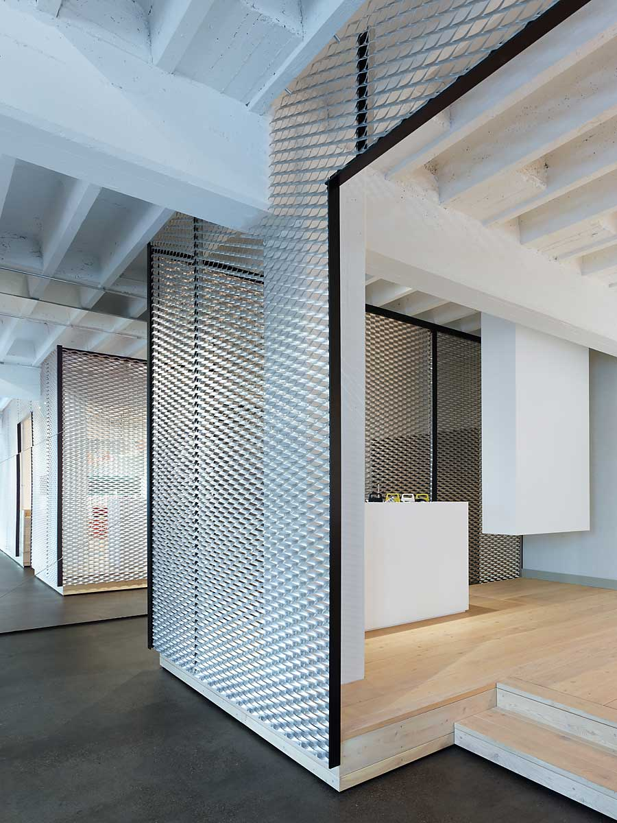 Movet office loft by alexander fehreer yellowtrace for Office wall interior
