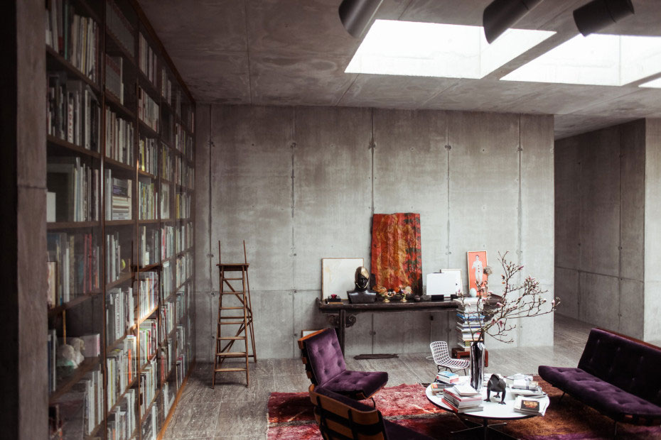 video 1942 berlin bunker transformed into a gallery home yellowtrace bloglovin. Black Bedroom Furniture Sets. Home Design Ideas
