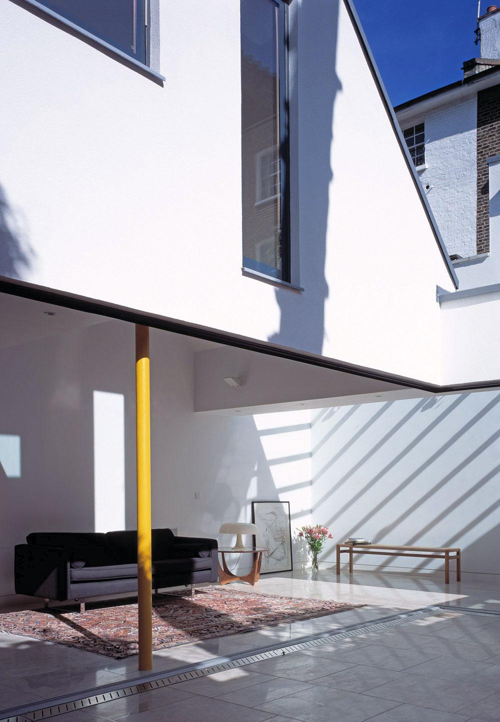 Gap House by Pitman Tozer | Yellowtrace