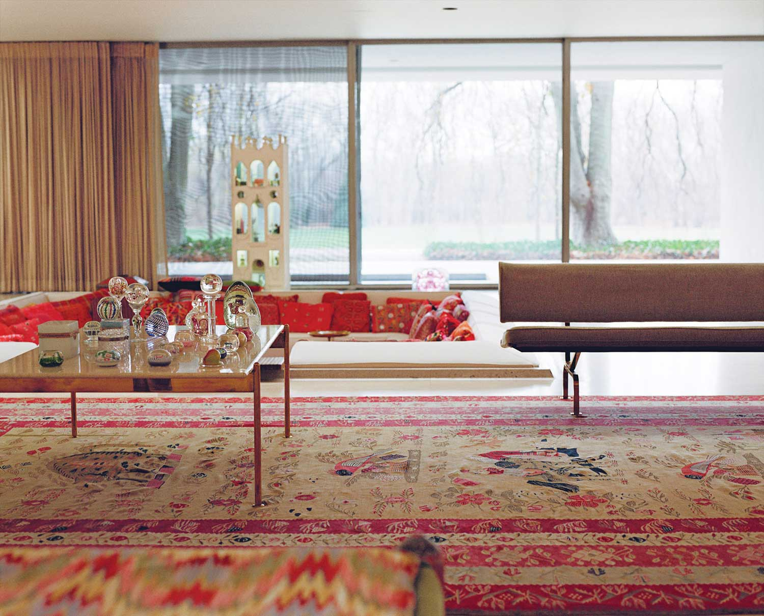 Miller House in Columbus, Indiana by Eero Saarinen | Yellowtrace