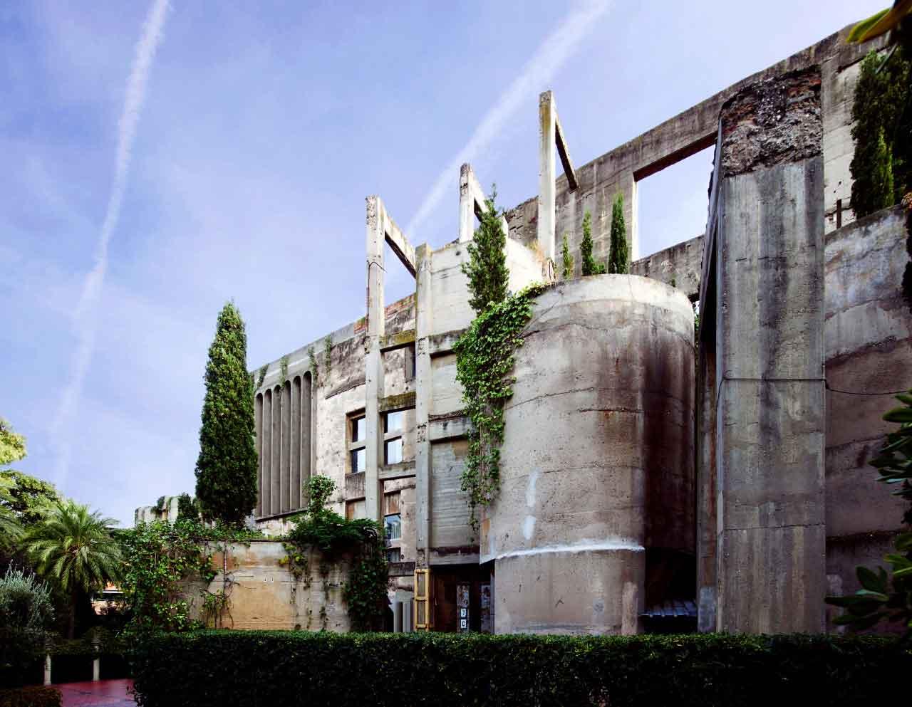 Superhouse by Karen McCartney, Photo by Richard Powers | Yellowtrace