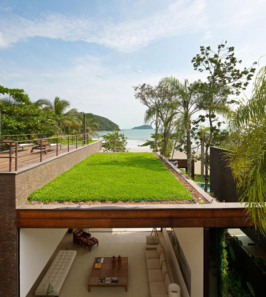 The Baleia Houses by Studio Arthur Casas | Yellowtrace