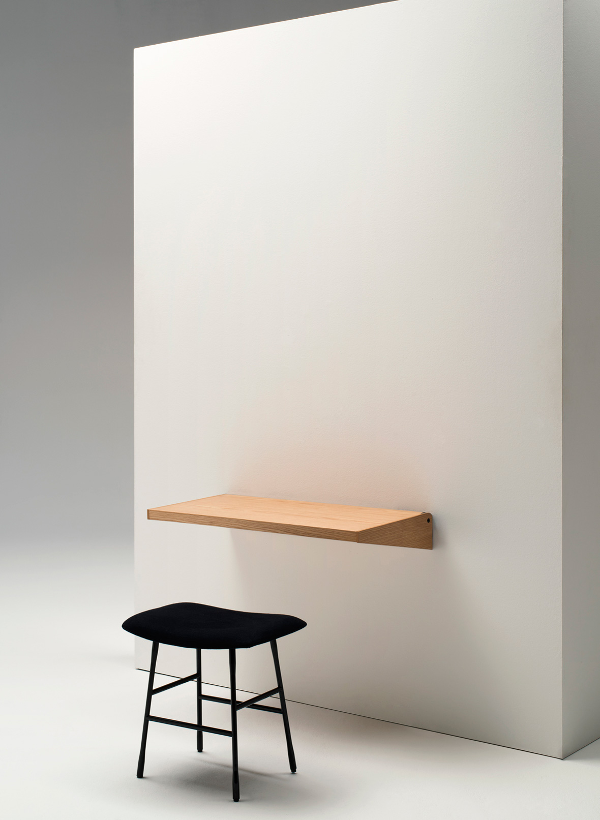 FJU Desk by Kaschkasch at IMM Cologne 2015 | Yellowtrace