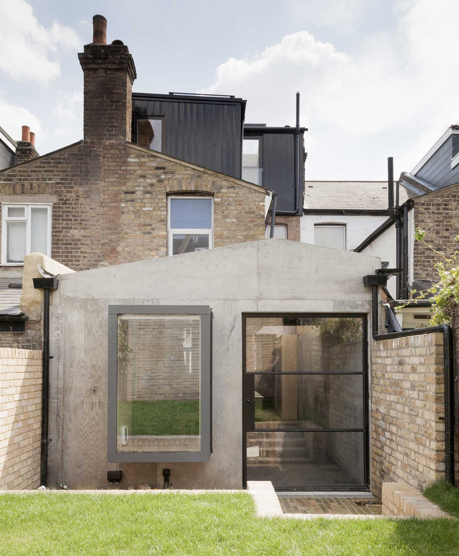 Plywood House In London By Simon Astridge Yellowtrace