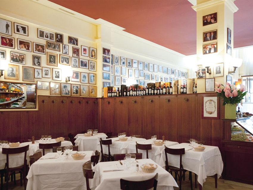 http://assets.yellowtrace.com.au/wp-content/uploads/2015/03/A-Santa-Lucia-Milan-Restaurant-Yellowtrace-02.jpg