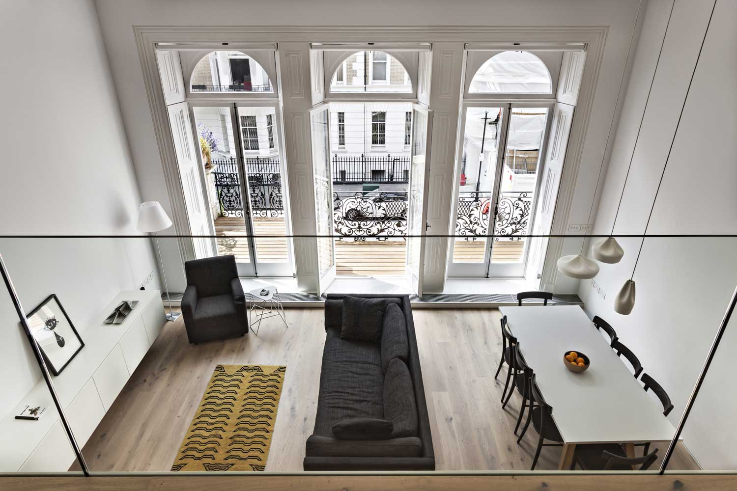 Central London Flat by VW BS | Yellowtrace
