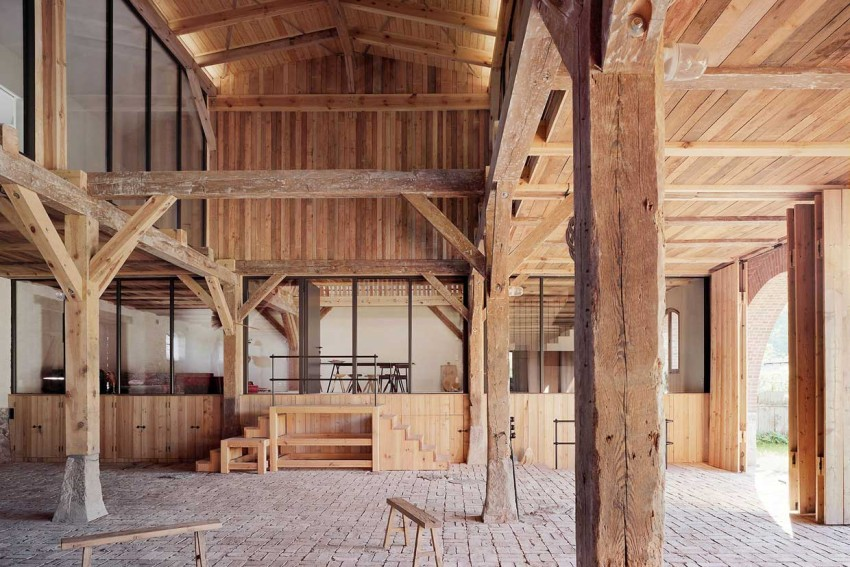 From Barn to Vacation Home by Thomas Kroger & Rote Scheune | Yellowtrace
