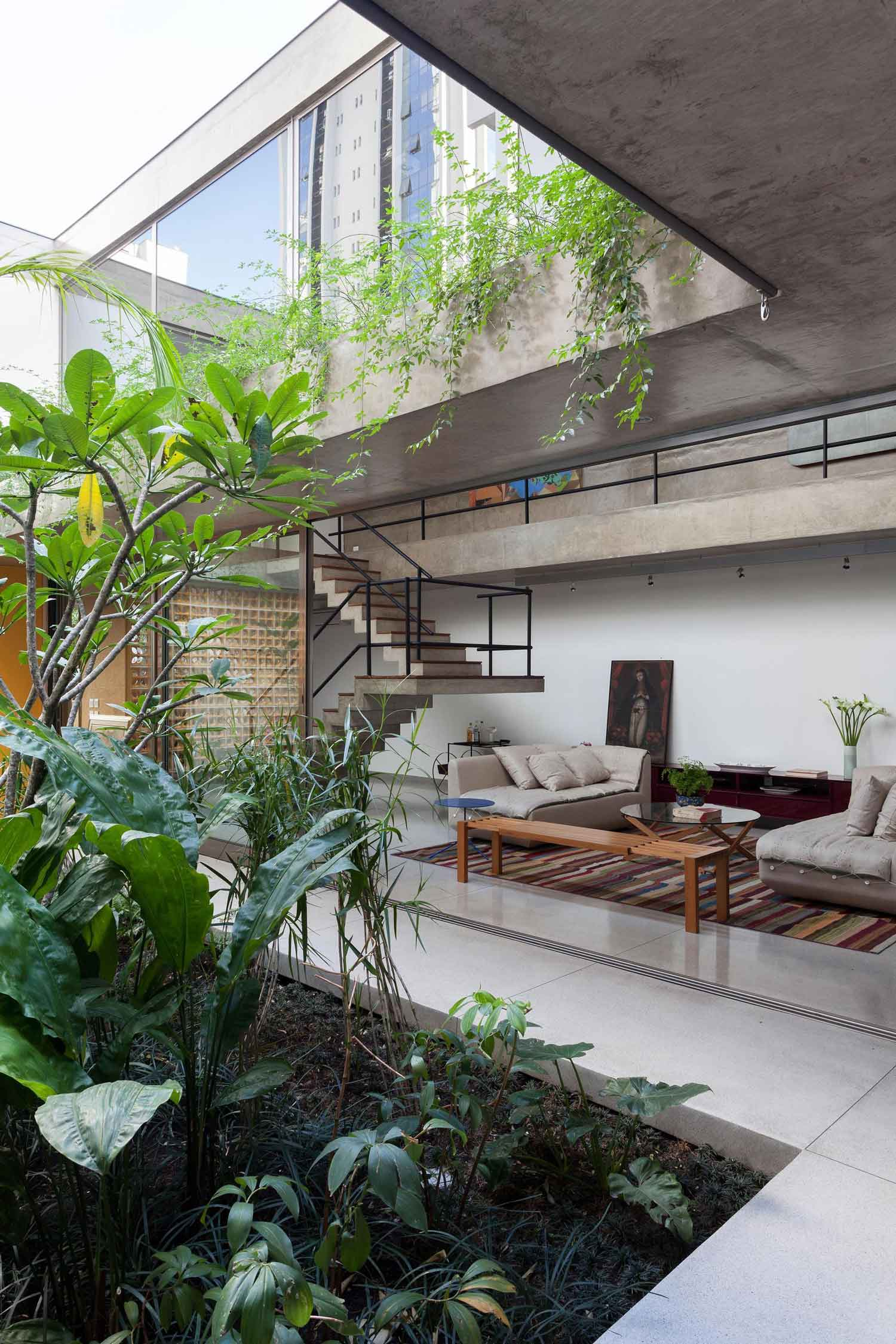 Jardins house by cr2 arquitetura in s o paulo yellowtrace for Architecture de jardin