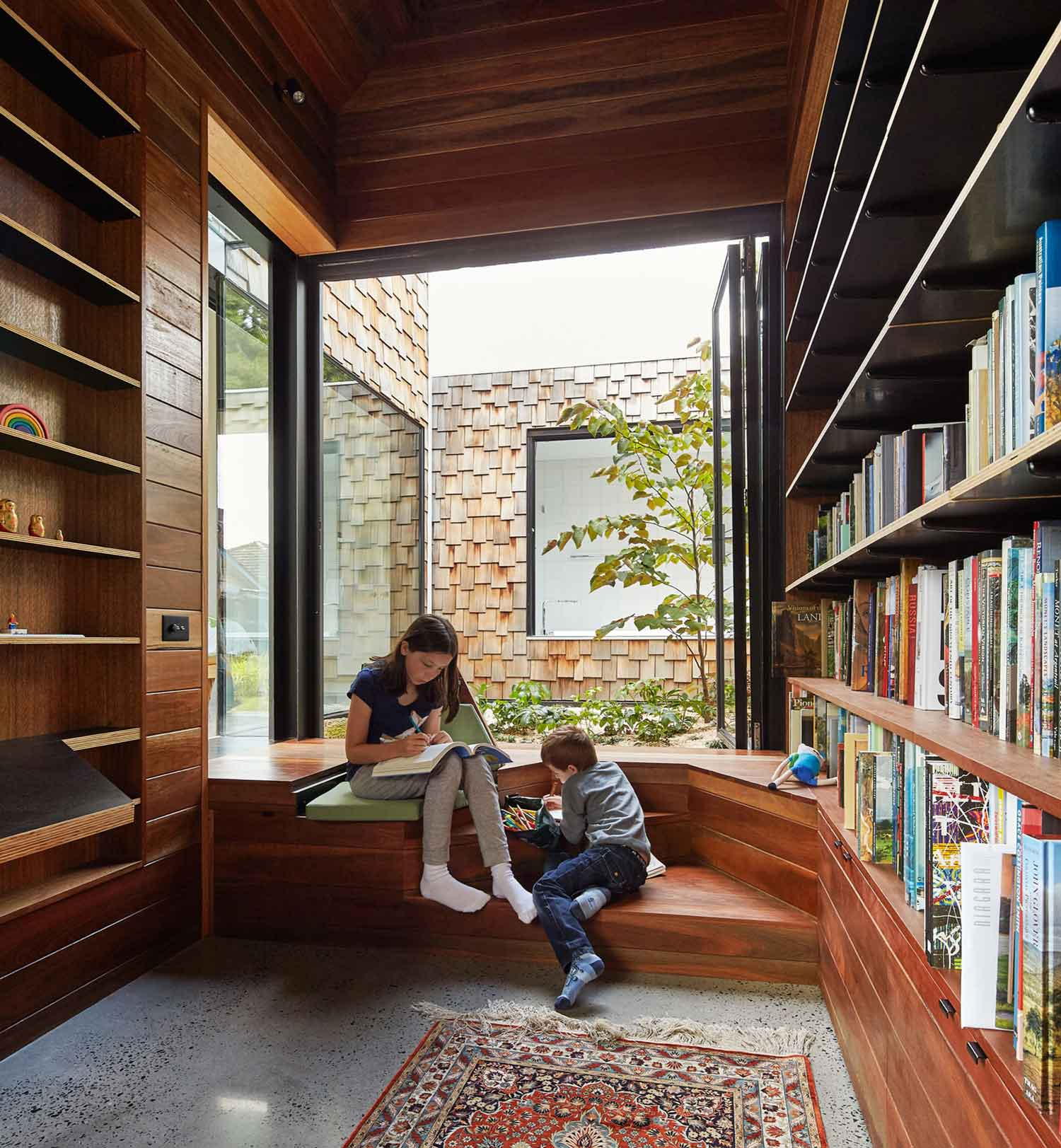 Tower House by Andrew Maynard Architects. Photo by Peter Bennetts   Yellowtrace