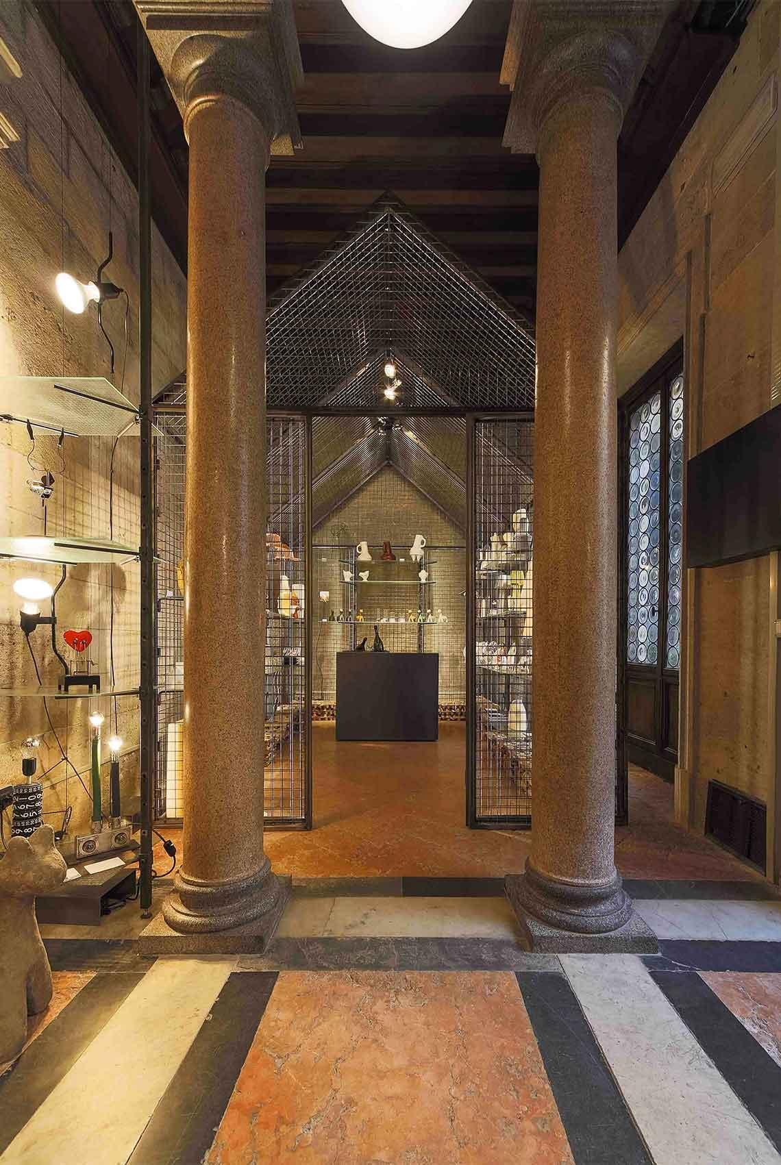 Design shop bagatti valsecchi museum milano 2013 by cls for Milano design shop
