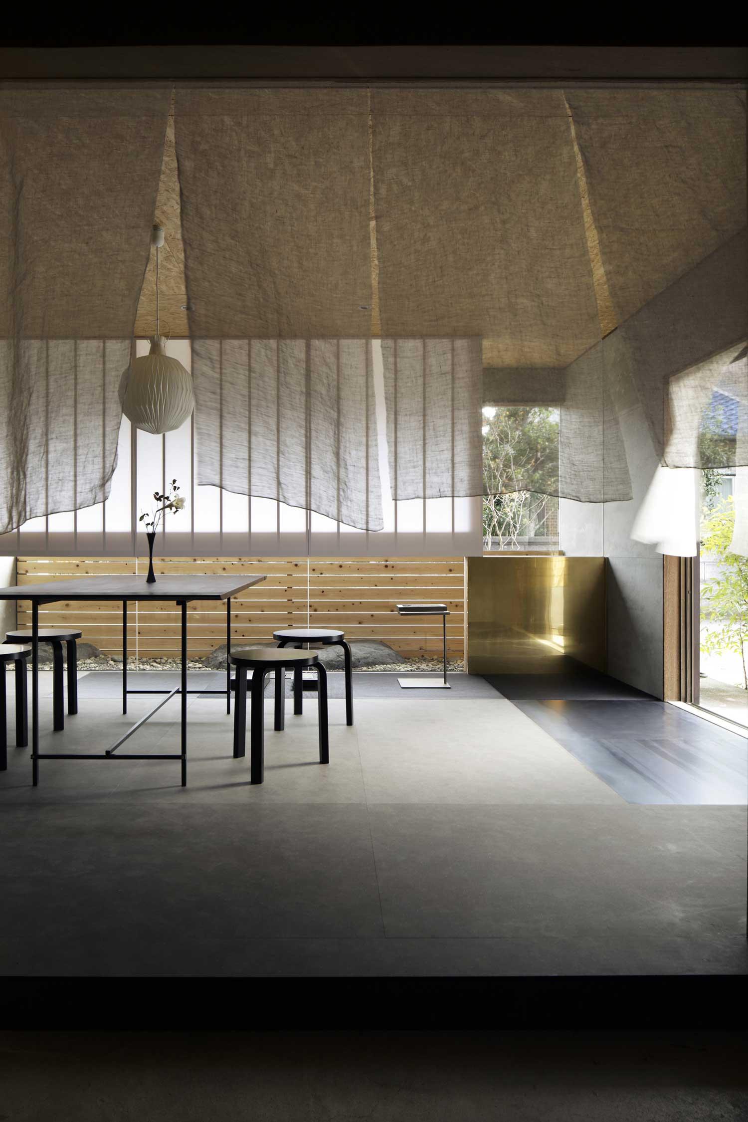 Enzo Gallery & Office by Ogawasekkei | Yellowtrace