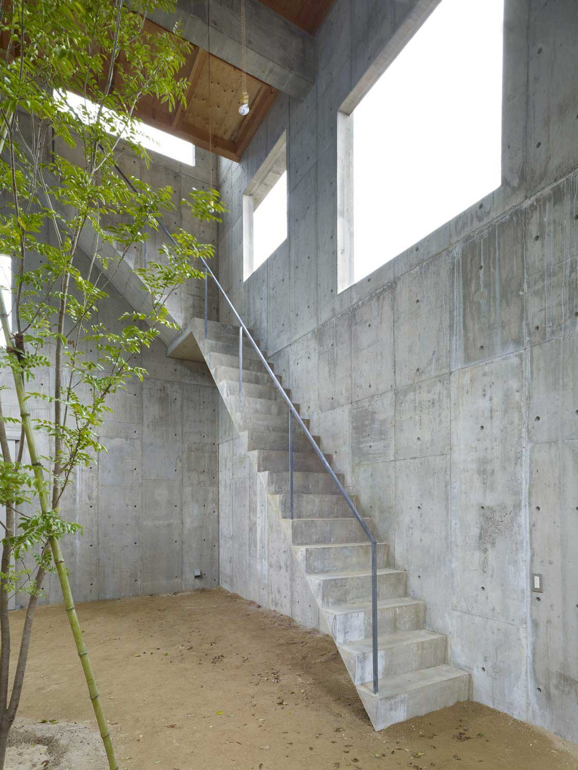 House in Yagi by Suppose Design Office / Photo by Toshiyuki Yano | Yellowtrace