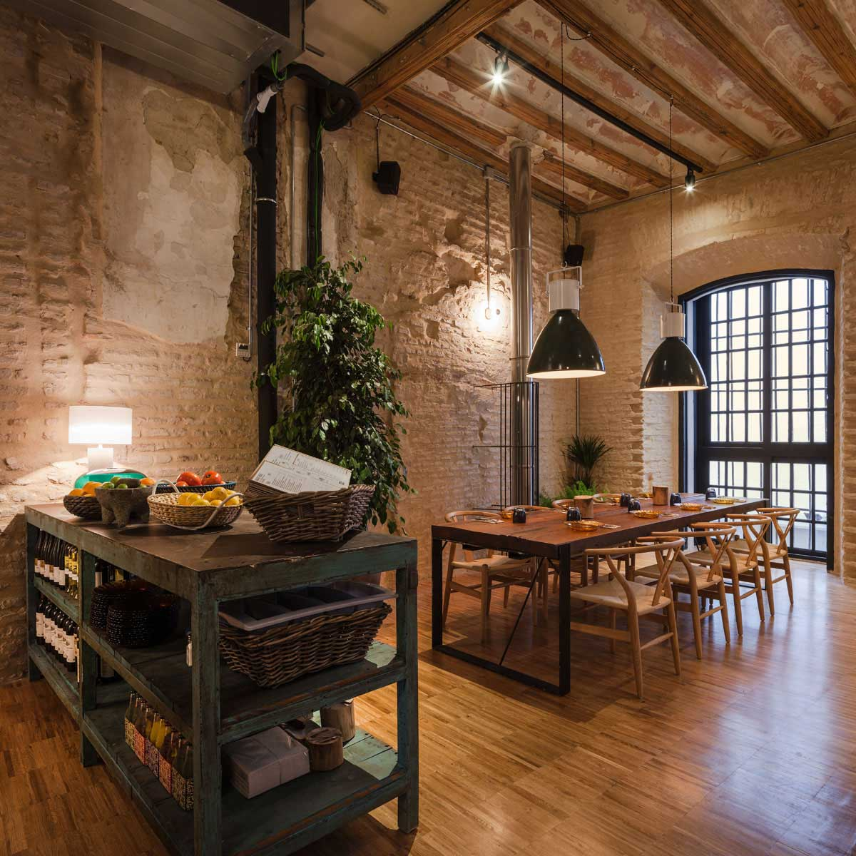 Old House Turned Into A Restaurant By Donaire Arquitectos