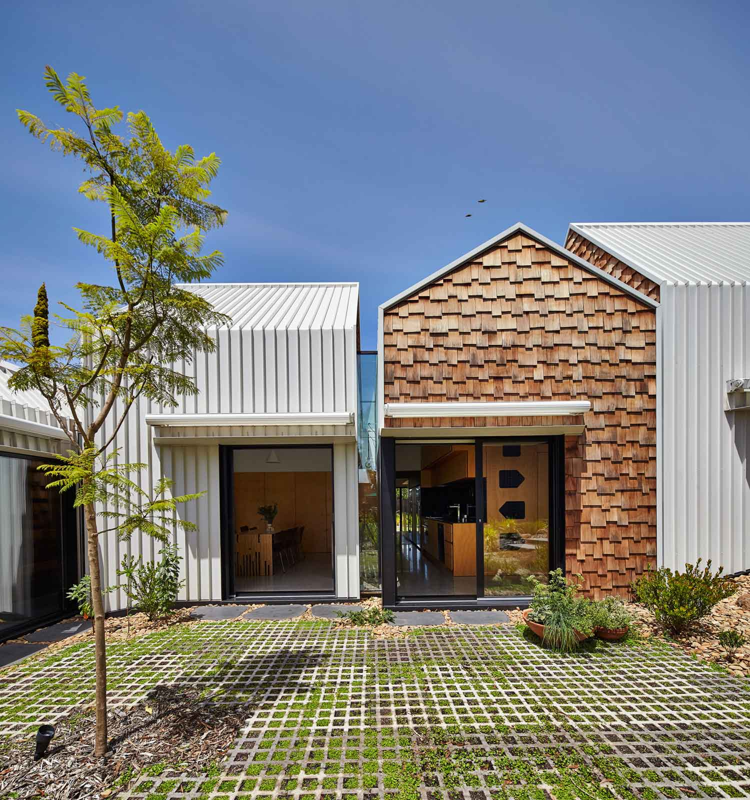 Small Modern House In Australia: Tower House By Andrew Maynard Architects