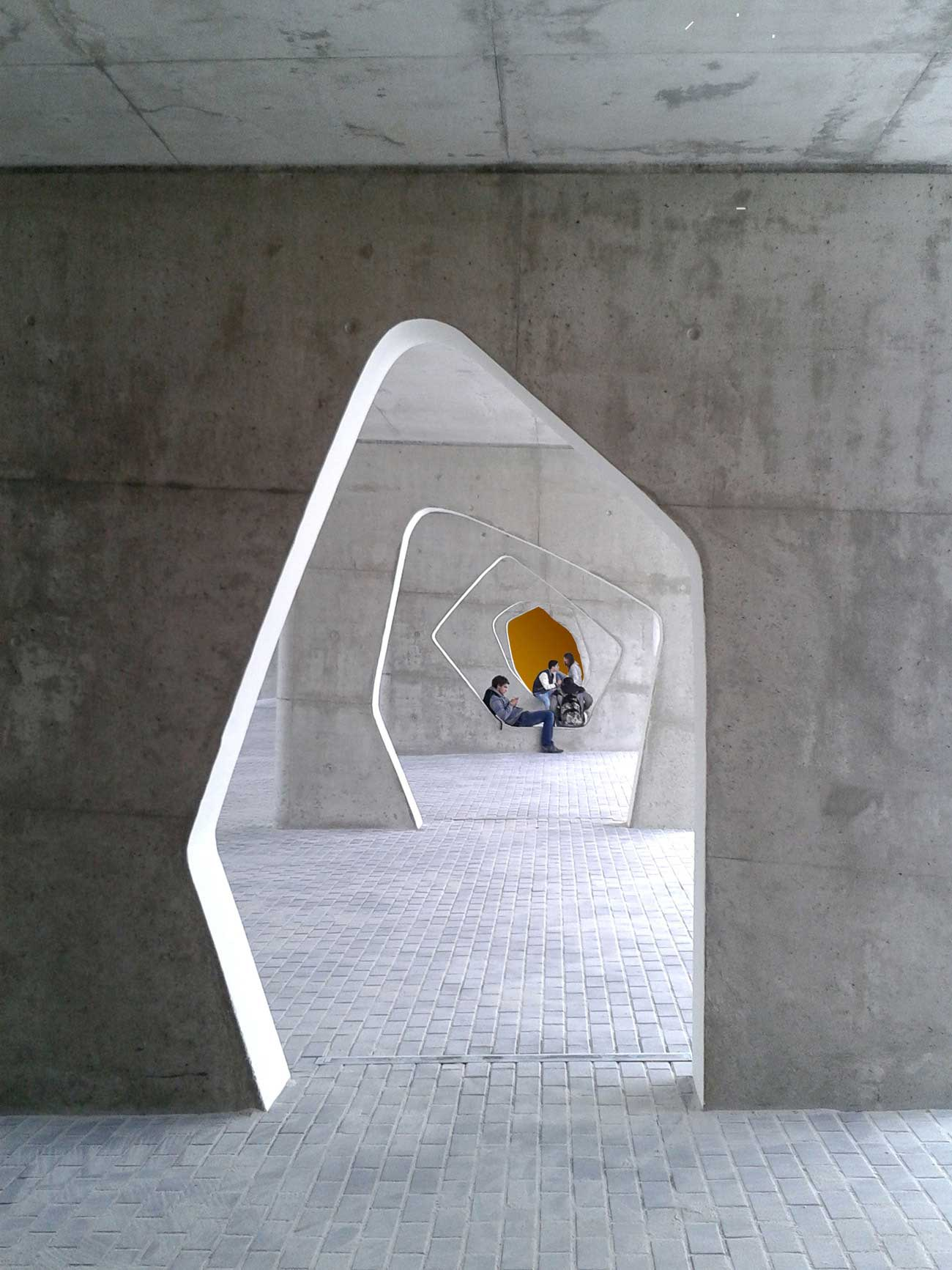 Braamcamp Freire Secondary School by CVDB Arquitectos | Yellowrace