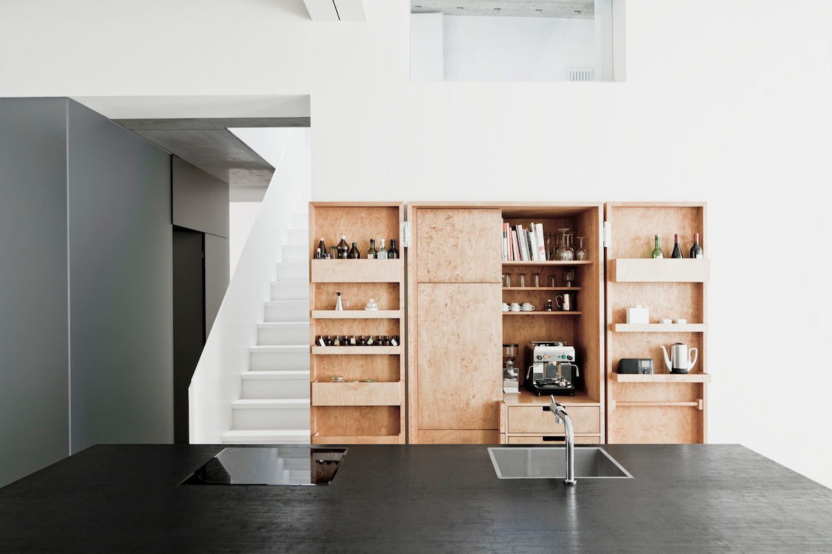 Thomas Bendel Unifies Two Buildings Into a Single Apartment.