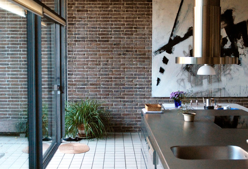 Home of Famed Danish Architect & Industrial Designer Knud Holscher | Yellowtrace