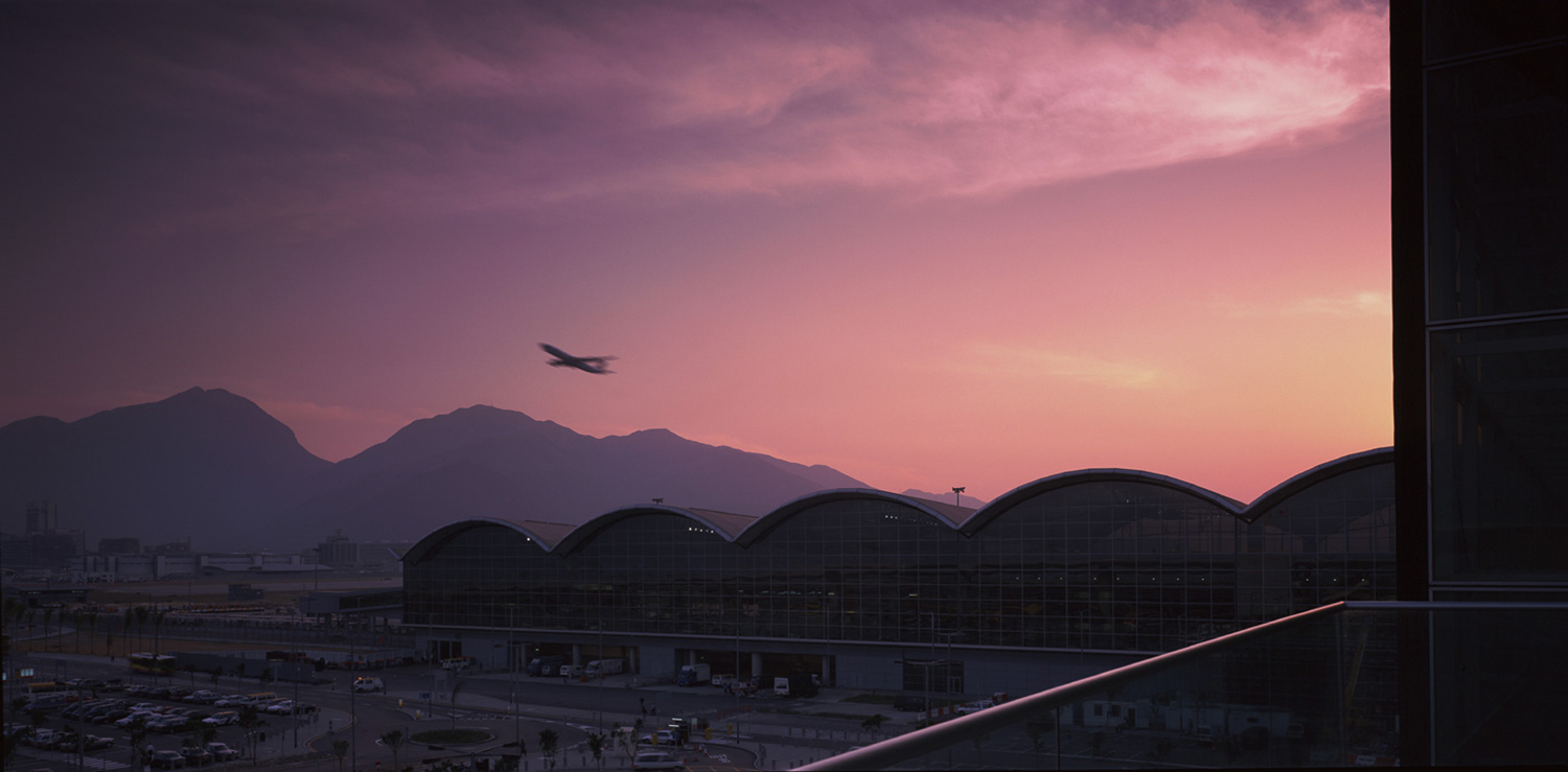 Hong Kong Airport by Foster + Partners Architects / Photo Richard Glover   Yellowtrace