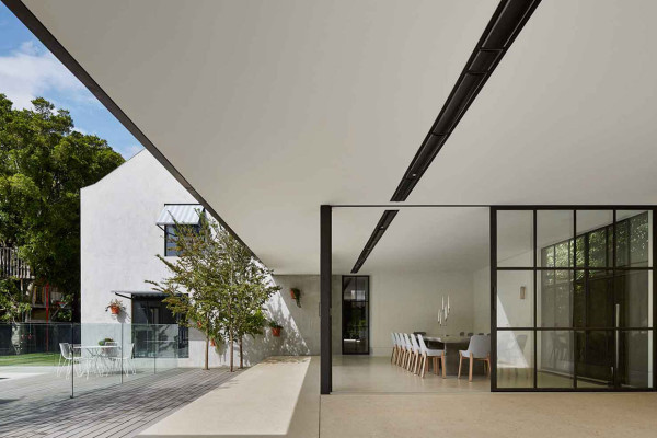 Hopetoun Road Residence by b.e Architecture | Yellowtrace