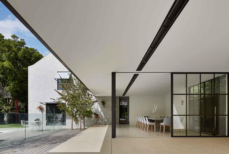 Hopetoun Road Residence by b.e Architecture | Yellowtrace