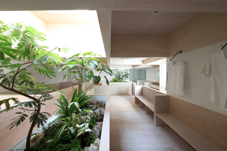 House in Hanekita by Katsutoshi Sasaki Associates | Yellowtrace