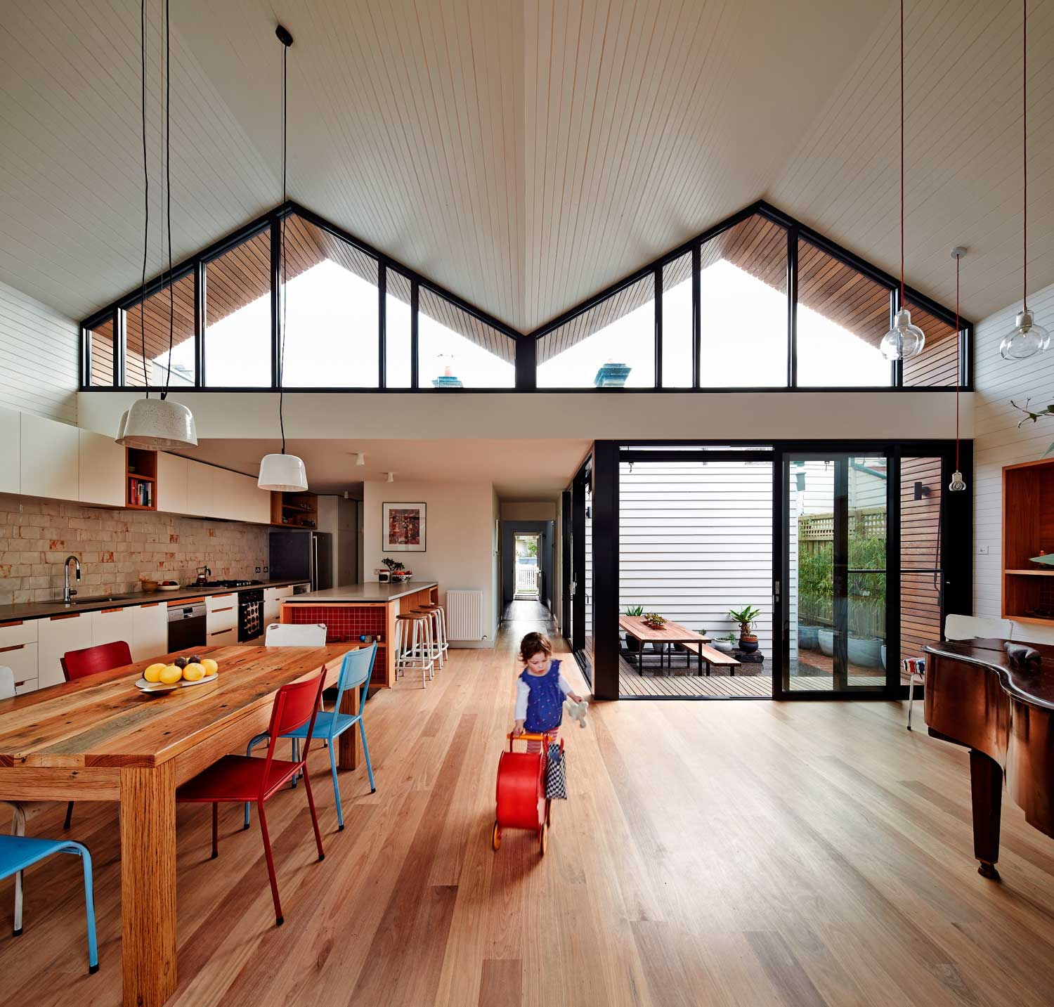 M House by Make Architecture. Photo by Peter Bennetts | Yellowtrace