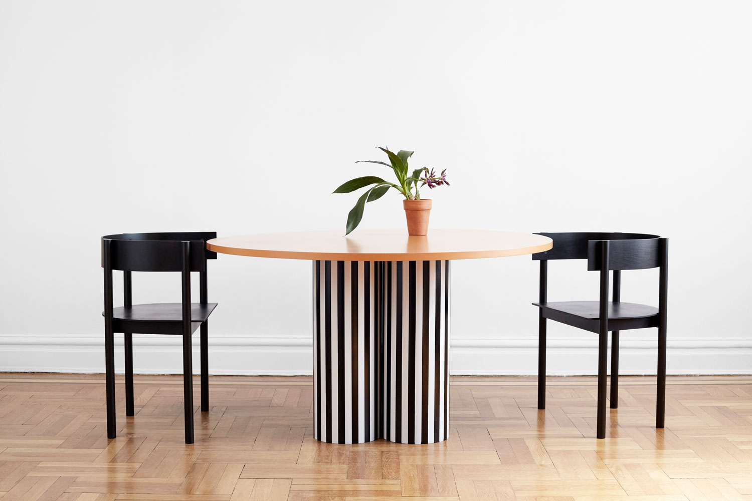 MM 2015 Slon Table by Ana Kras. Typecast Chair by Philippe Malouin | Yellowtrace