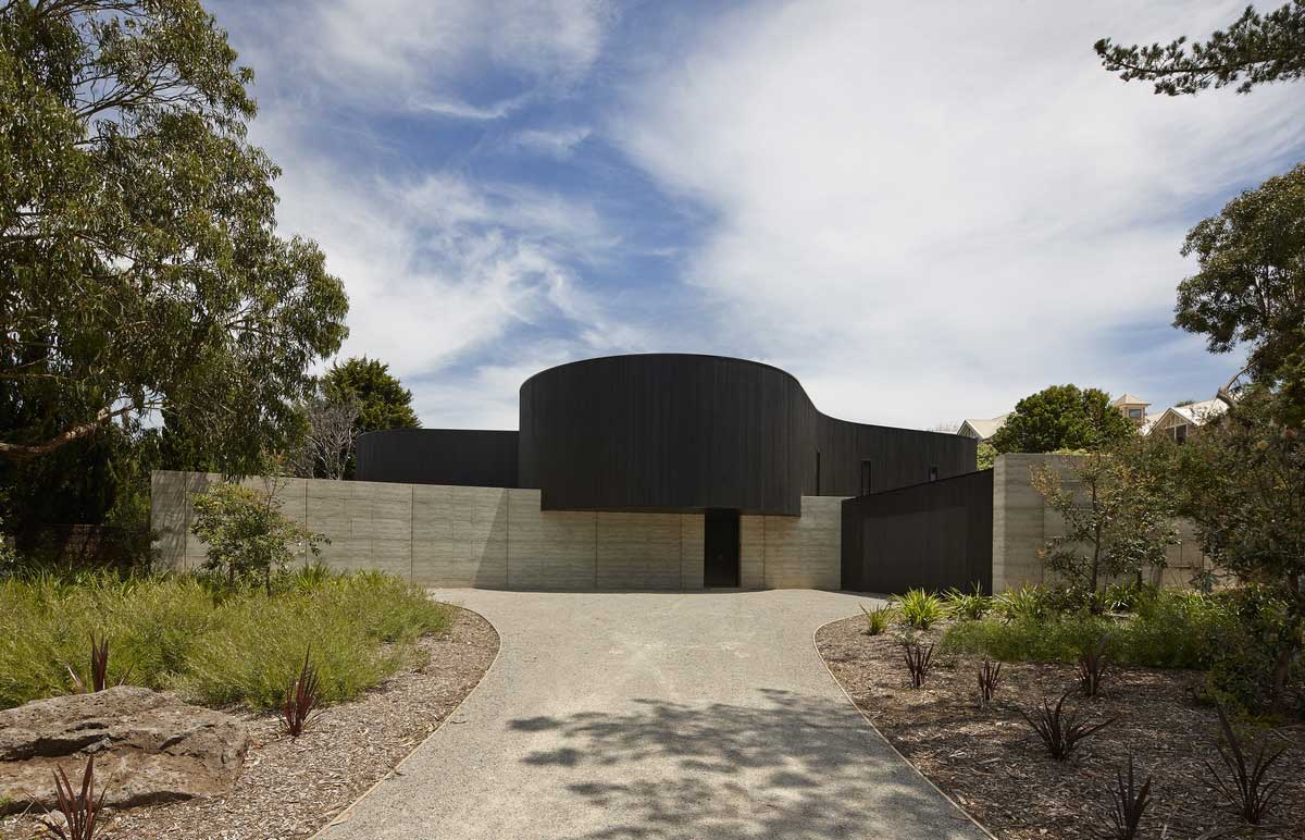 Portsea House by Wood Marsh Architecture. Photo by Peter Bennetts | Yellowtrace