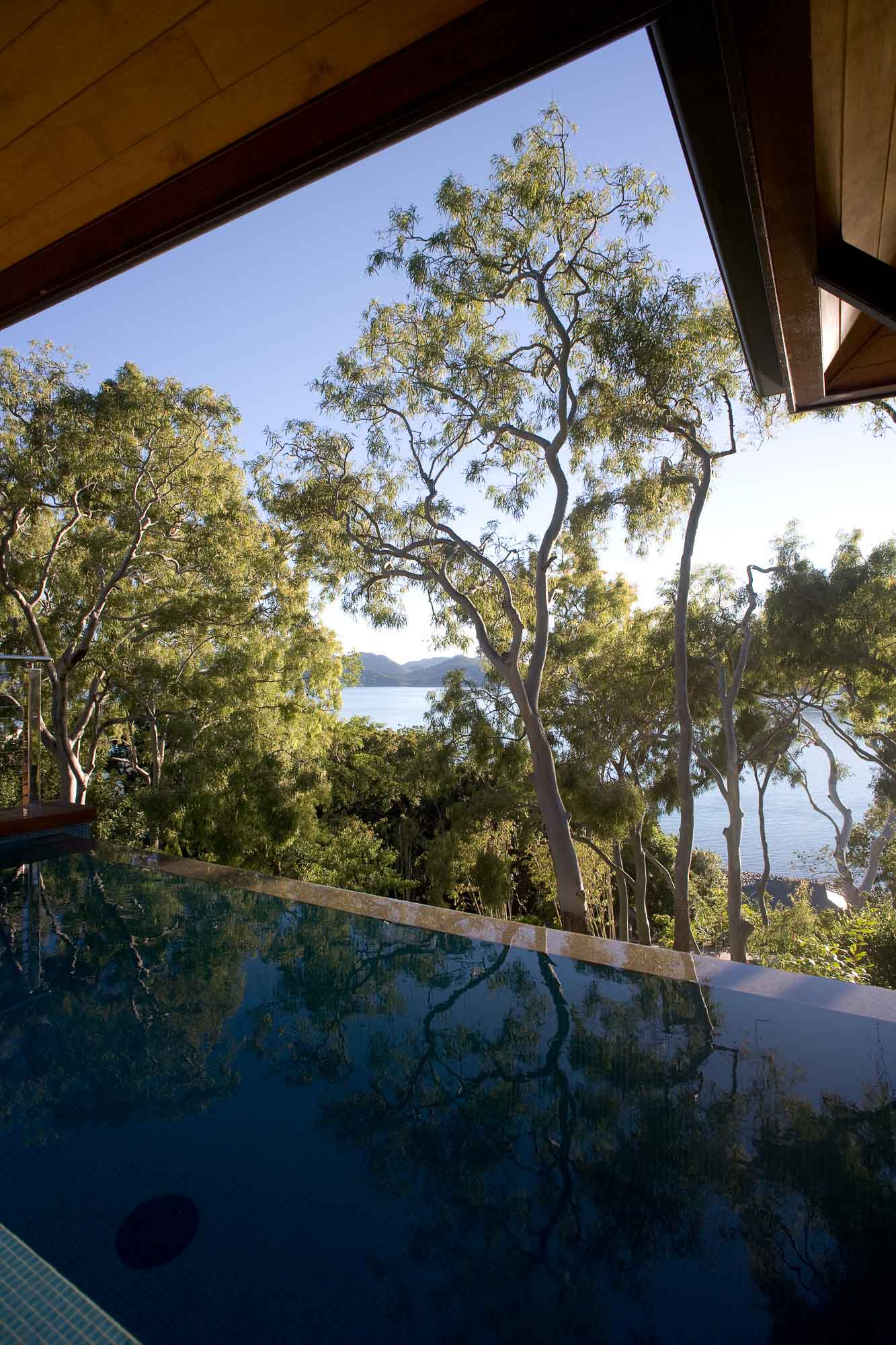 Qualia Resort Queensland by Chris Beckingham Architect / Photo Richard Glover   Yellowtrace