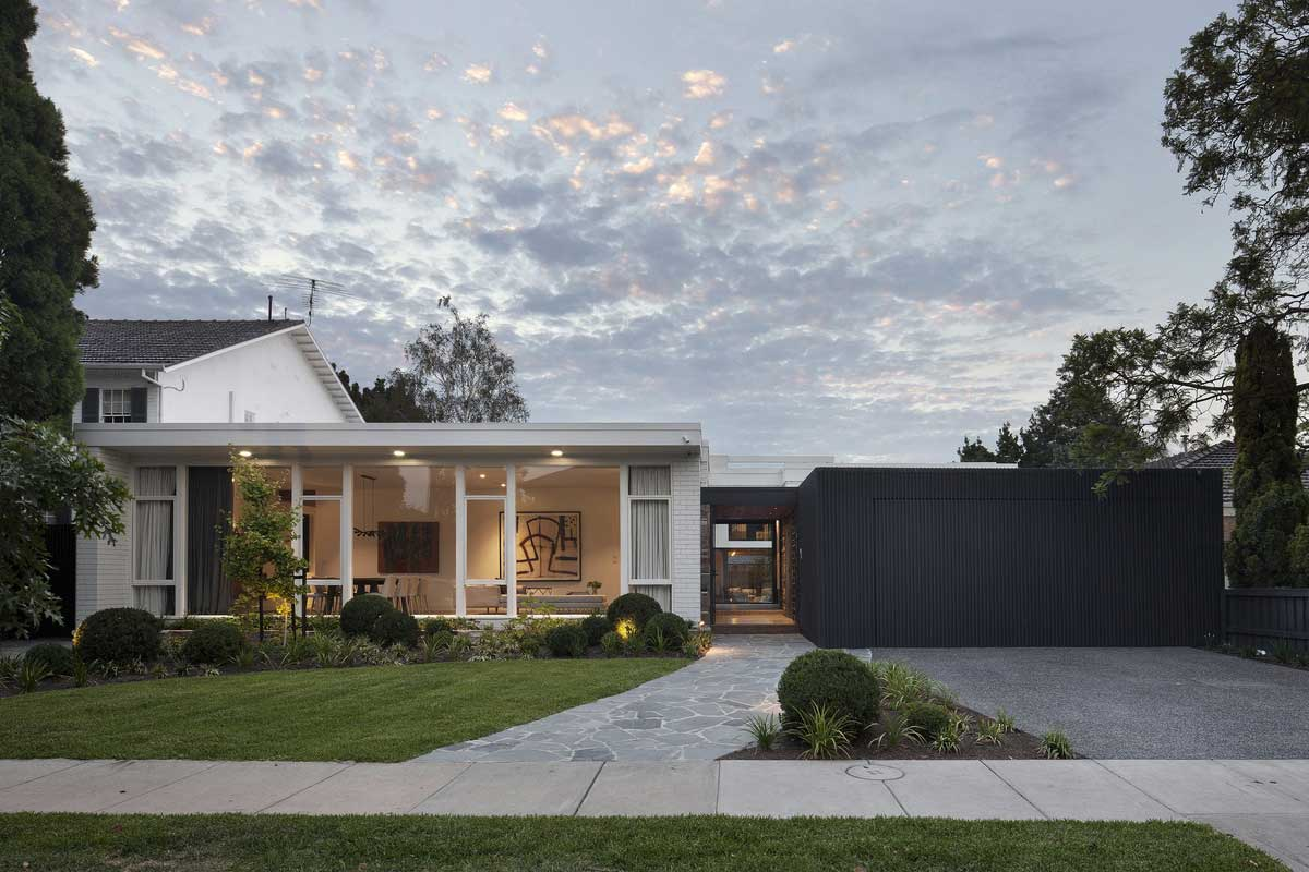 Stepping House by Bower Architecture. Photo by Shannon McGrath | Yellowtrace
