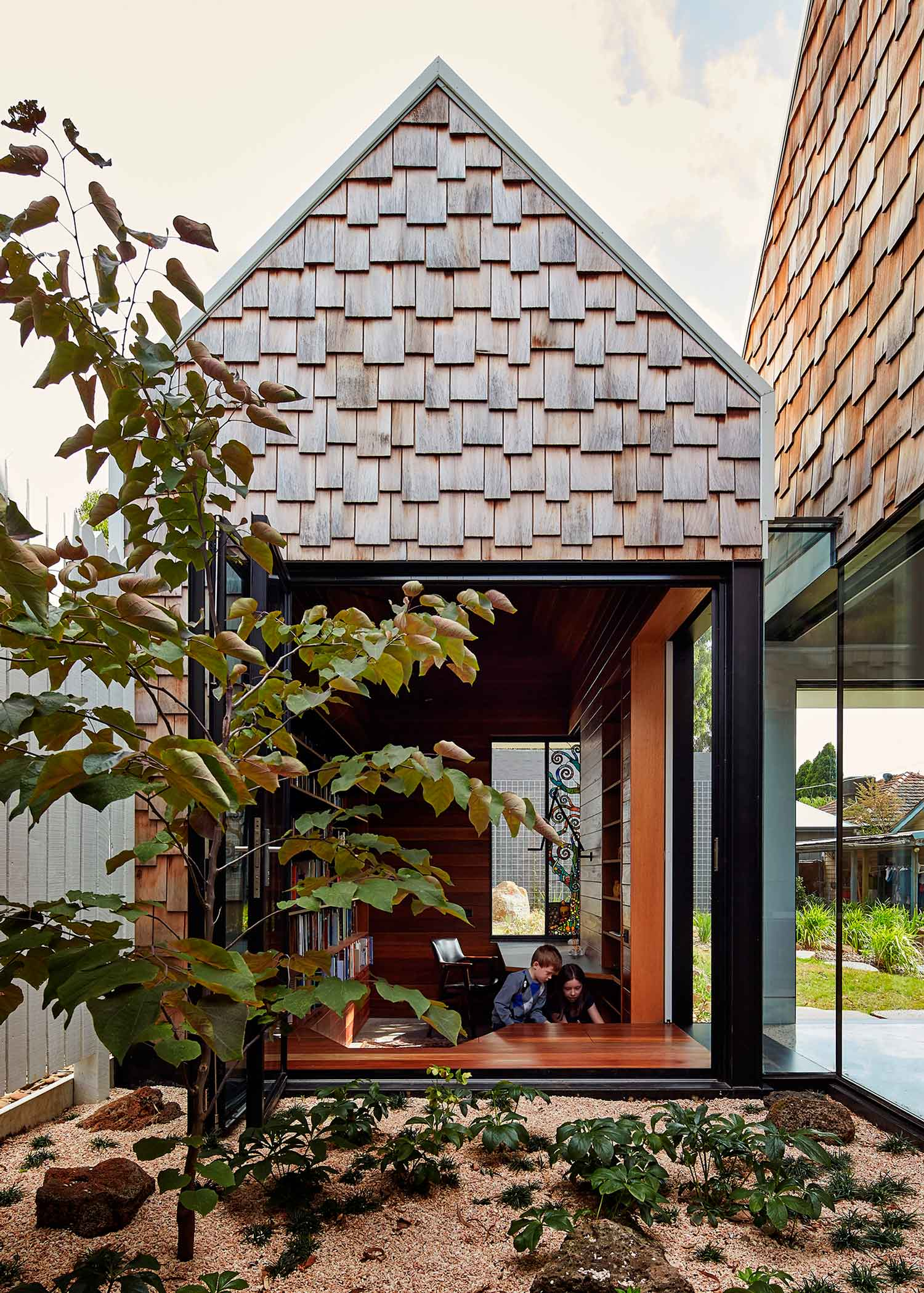 Tower House by Andrew Maynard Architects. Photo by Peter Bennetts | Yellowtrace