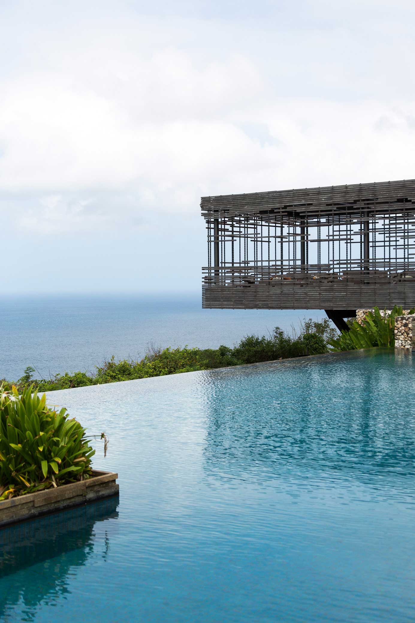 Alila Villas Uluwatu Photographed by Tom Ferguson | Yellowtrace