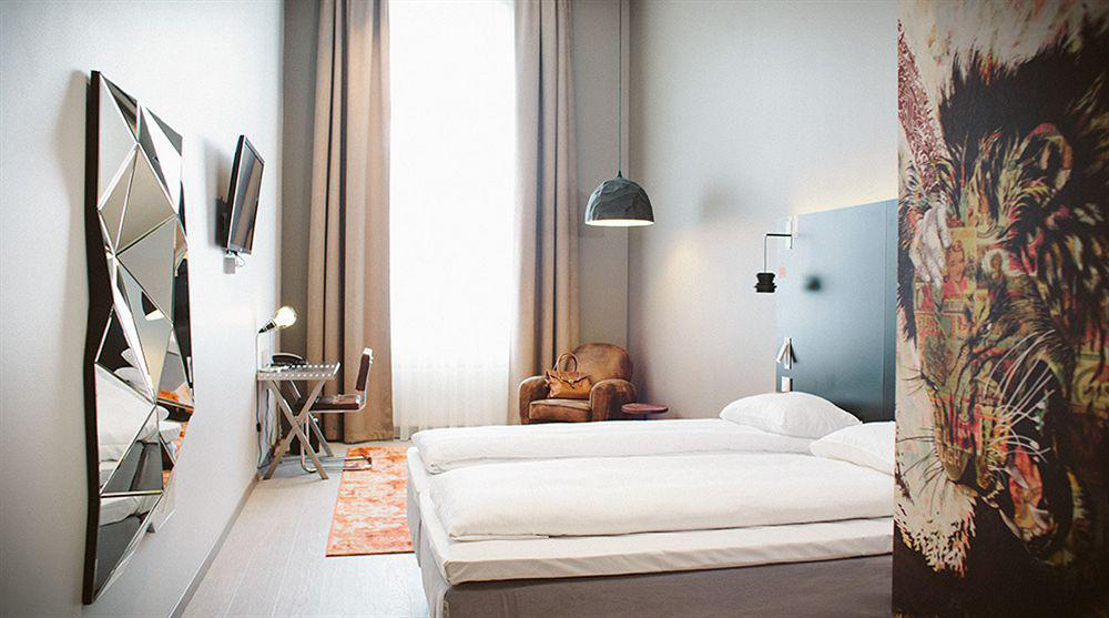 Comfort Hotel Grand Central | Yellowtrace