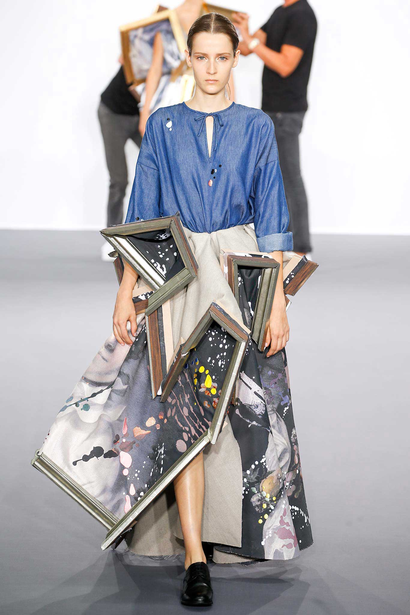 Viktor & Rolf Dress Models in Wearable Paintings   Yellowtrace