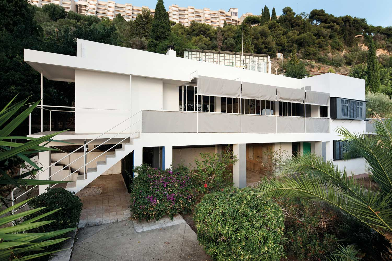 Restoration of Villa E 1027 by Eileen Gray. Photo by Manuel Bougo | Yellowtrace