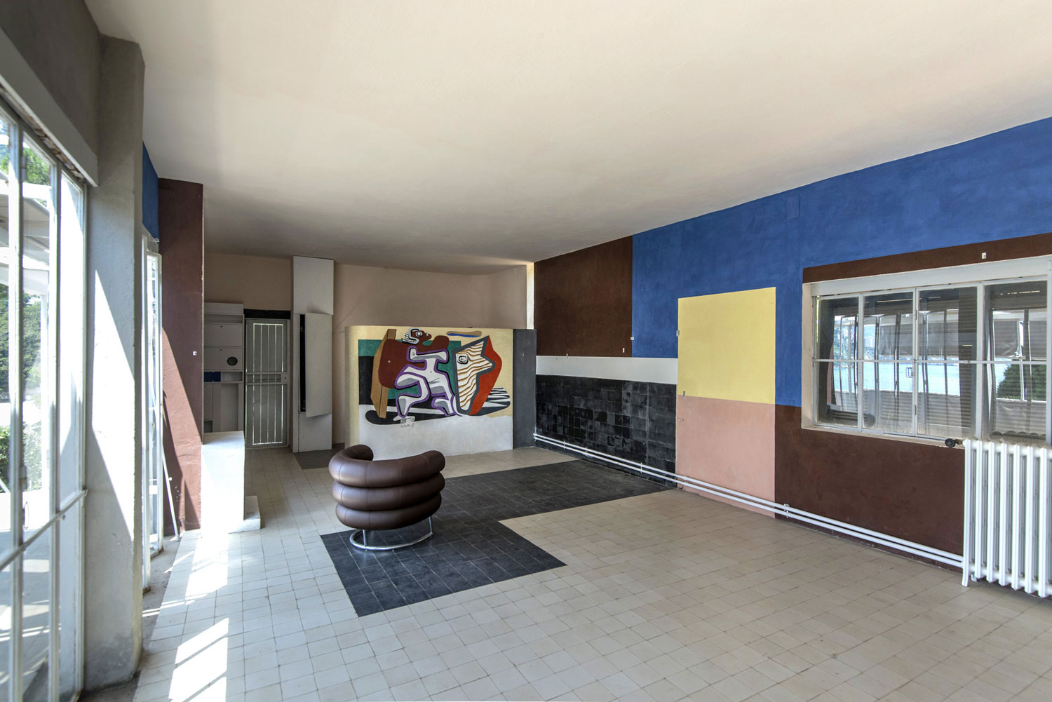 Restoration of Villa E 1027 by Eileen Gray. Photo by Tim Benton | Yellowtrace