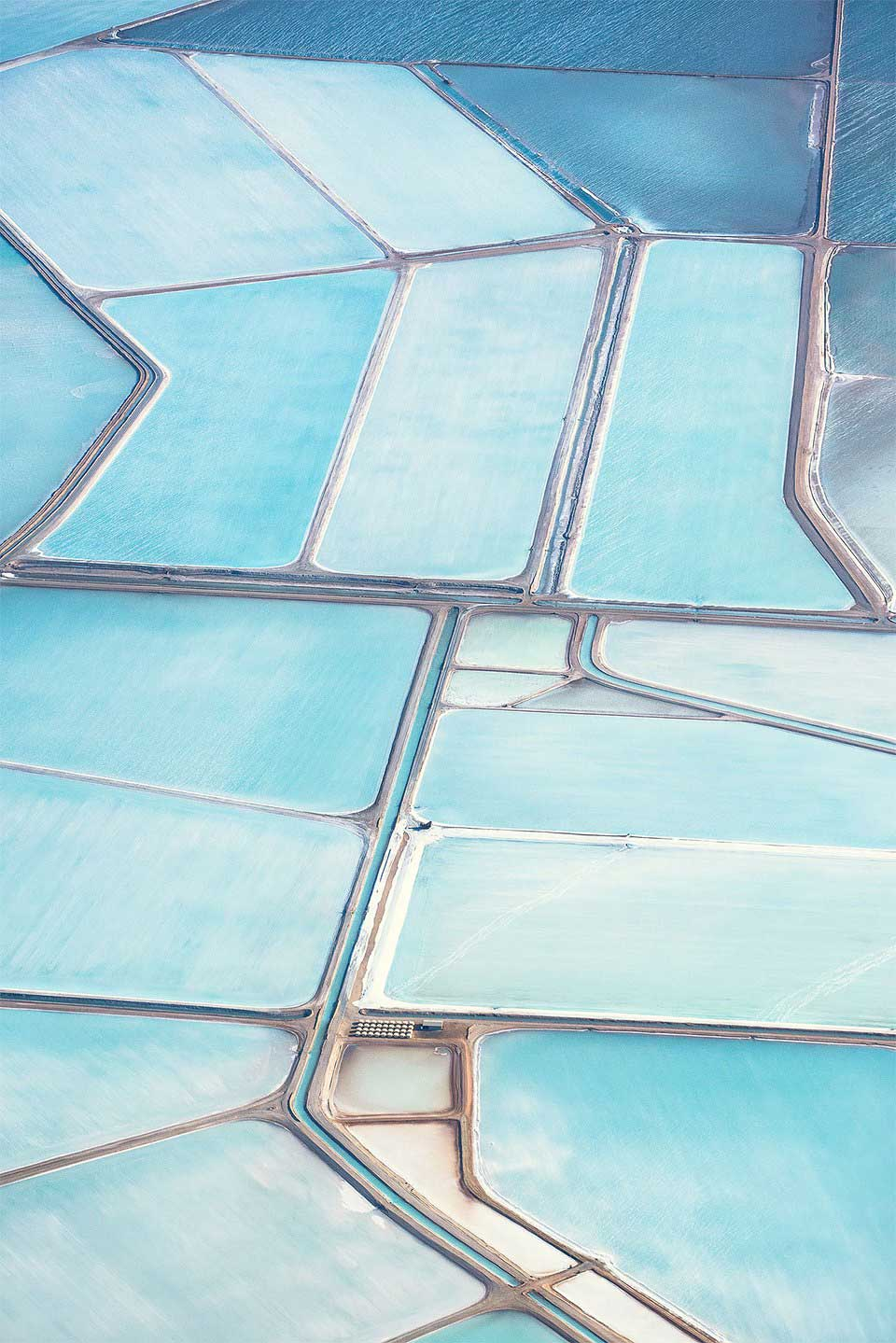 Australia's Salt Fields Captured by Simon Butterworth | Yellowtrace