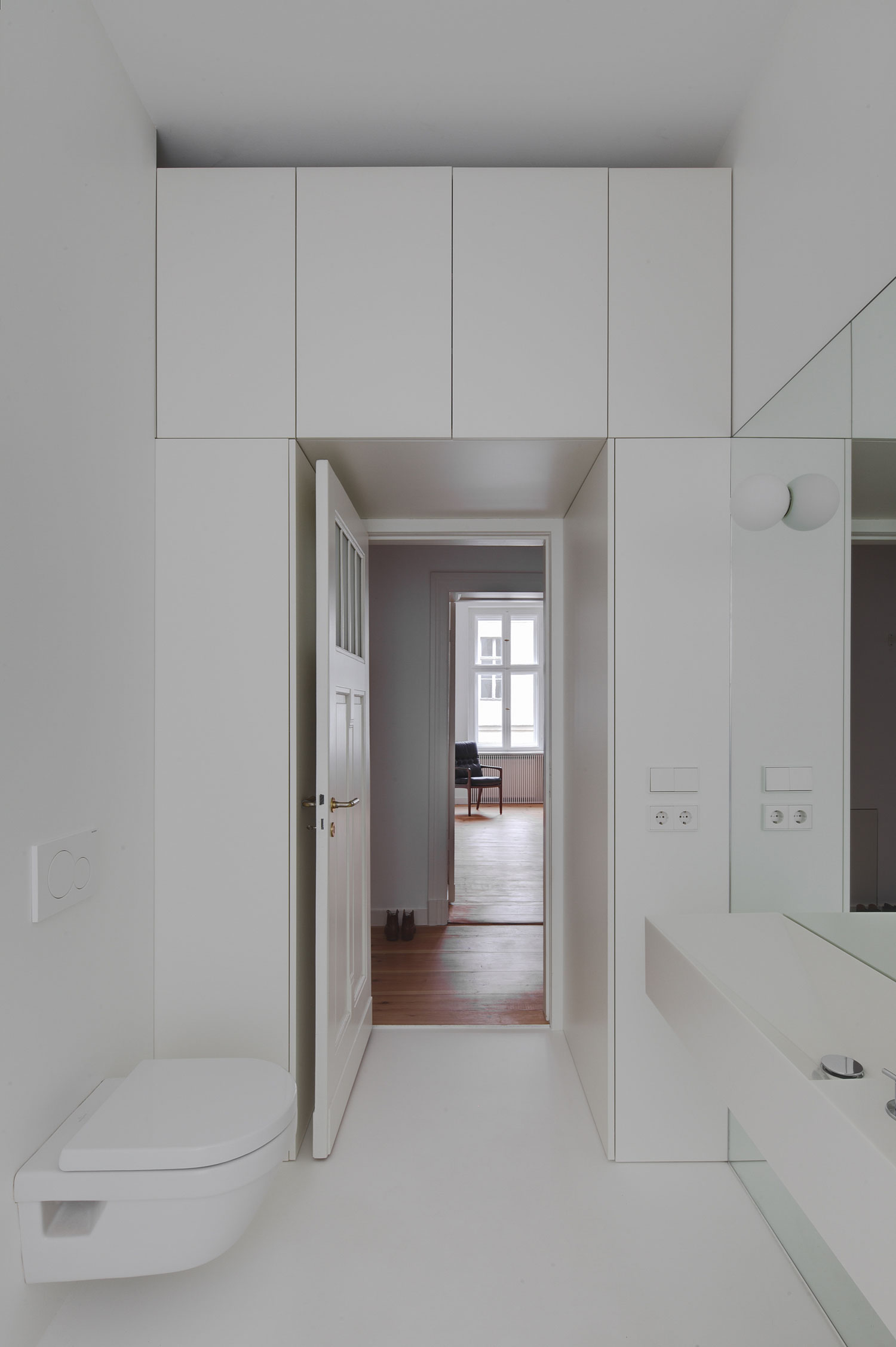 Berlin Mitte Apartment Refurbishment by Atheorem | Yellowtrace