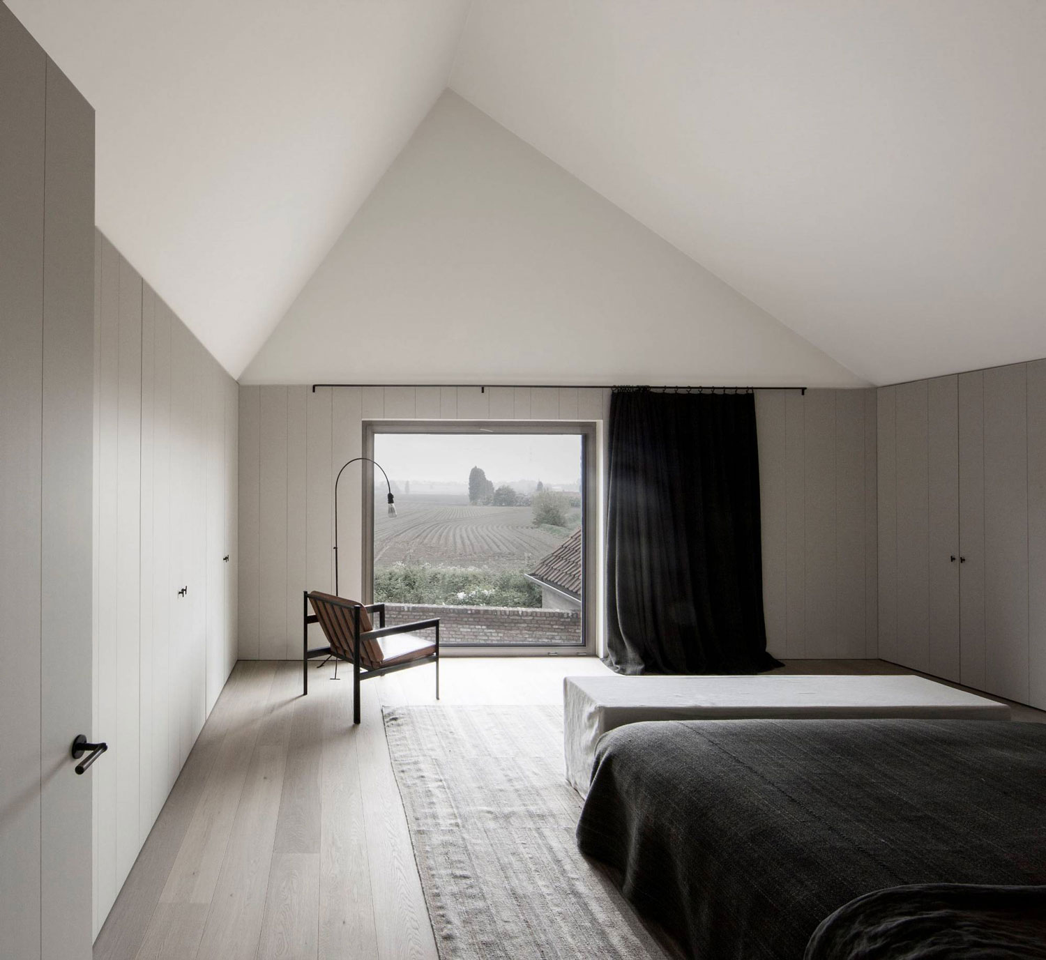 BS Residence by Vincent Van Duysen | Yellowtrace