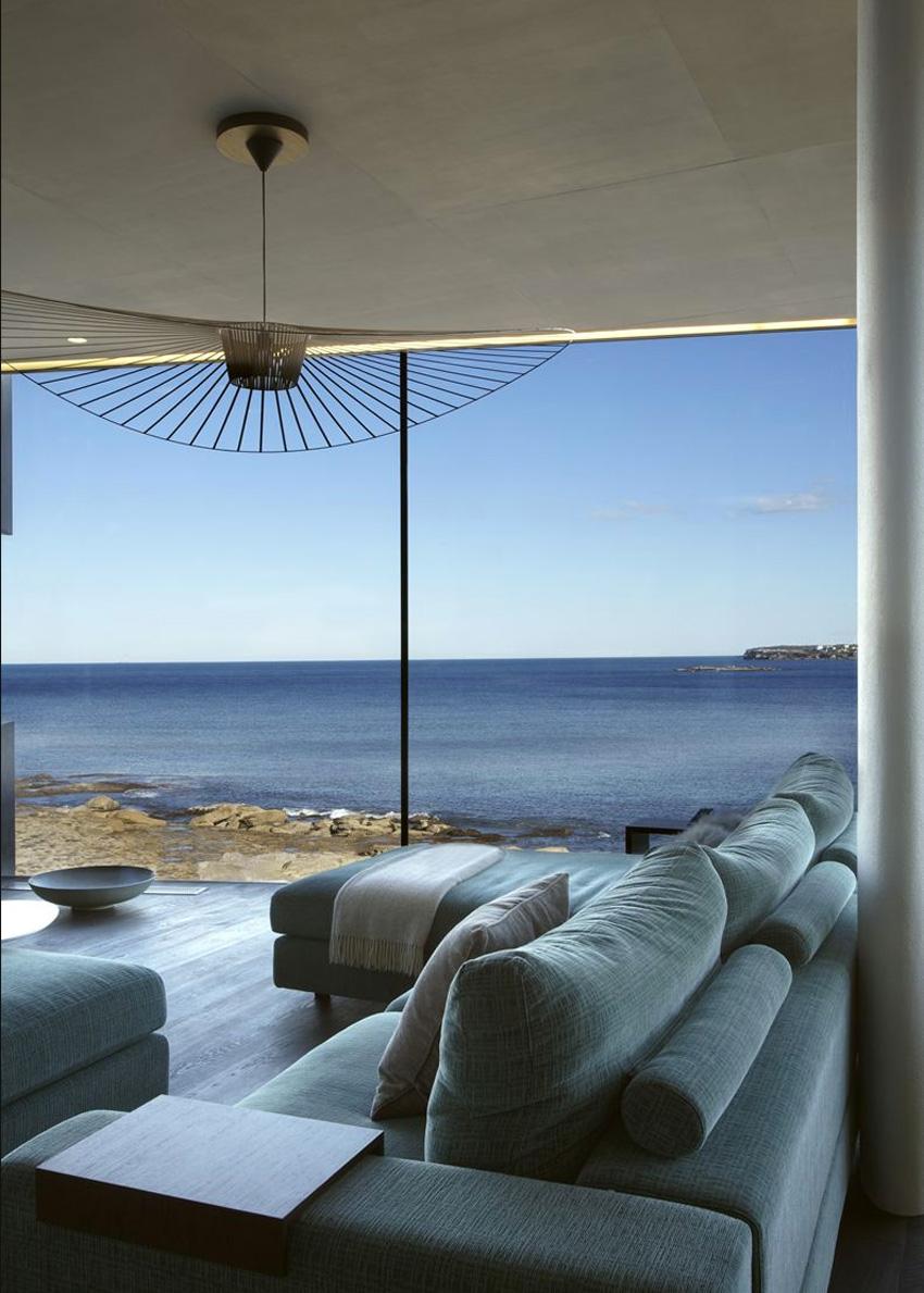 Clovelly House by Rolf Ockert Design | Yellowtrace