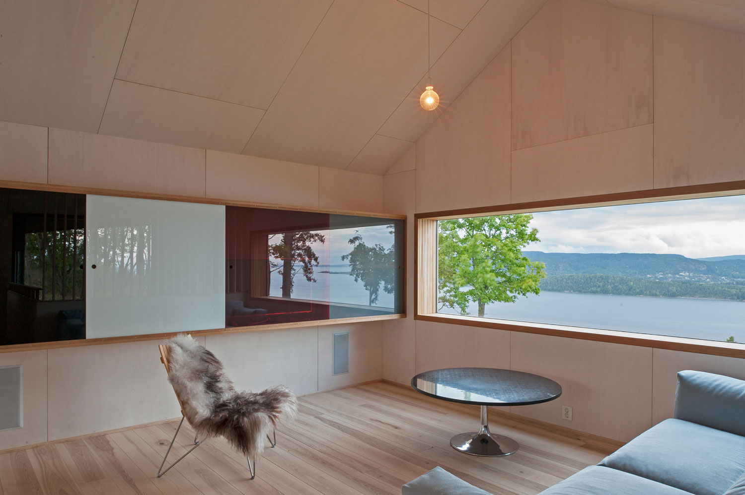 House Off/ Ramberg by Schjelderup Trondahl Architects AS | Yellowtrace