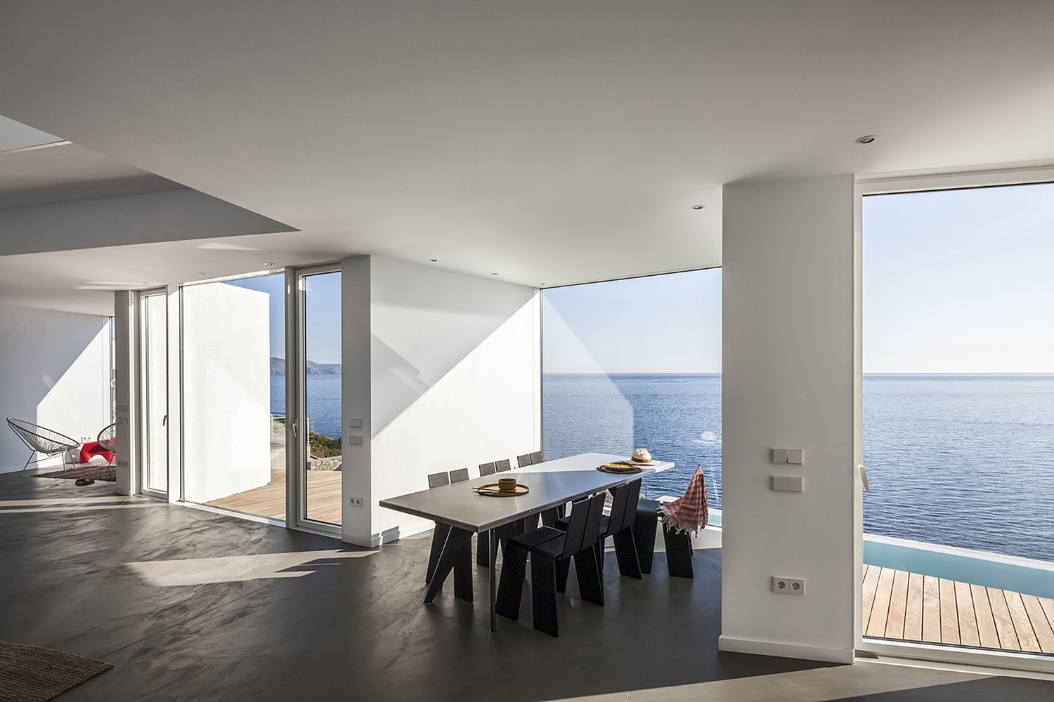 House in Costa Brava Sunflower House by Studio Cadaval + Sola Morales | Yellowtrace